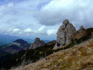 Ce semnificatie are numele muntilor Carpati